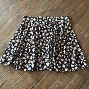 Pins and Needles size L floral skirt